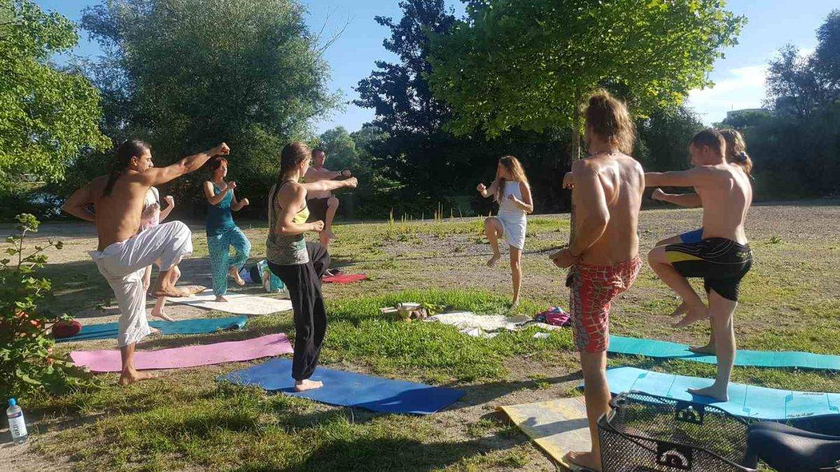 Yoga am Gifiz-See in Offenburg